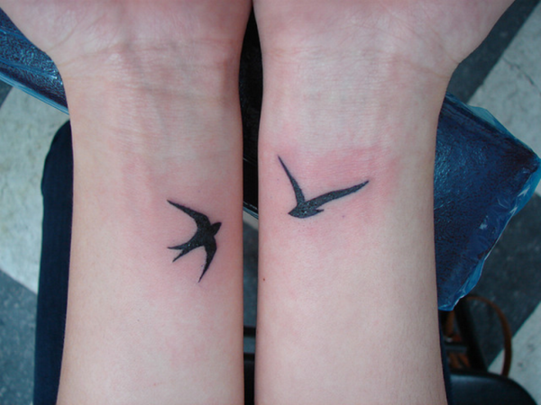 Relevant Small Tattoo Ideas and Designs for Girls0091