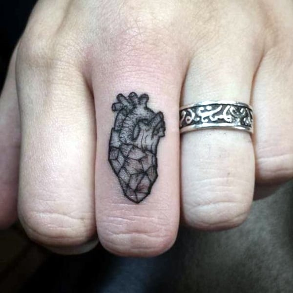 Cute Finger Tattoos Designs (101)