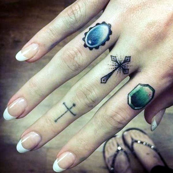 Cute Finger Tattoos Designs (104)