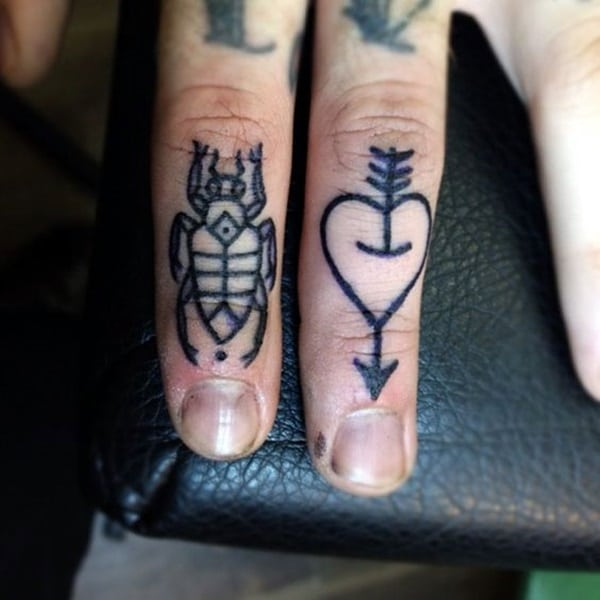 Cute Finger Tattoos Designs (106)