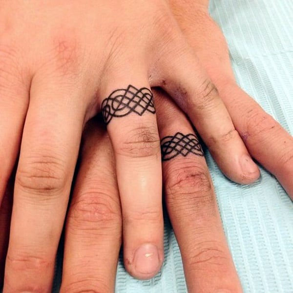 145+ Cute and Discreet Finger Tattoos Designs
