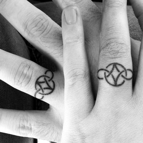 Cute Finger Tattoos Designs (19)