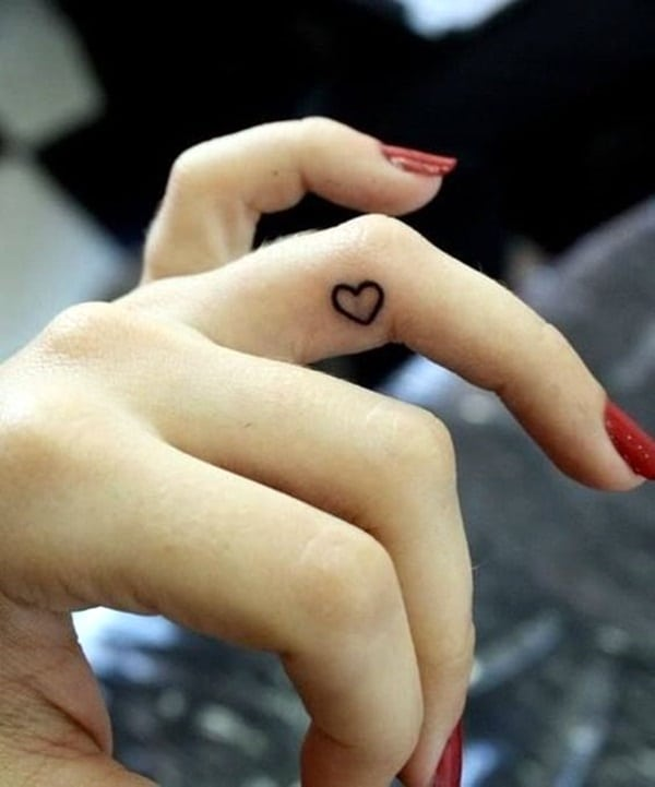 Cute Finger Tattoos Designs (30)