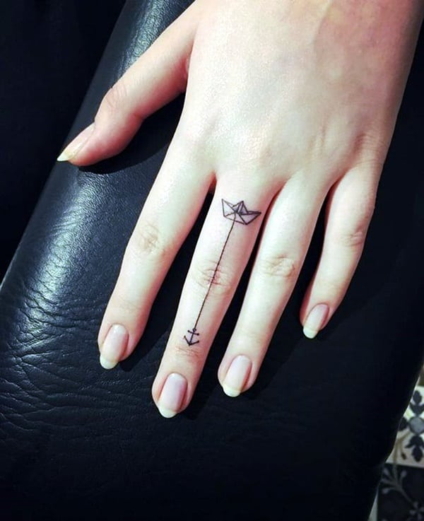 Cute Finger Tattoos Designs (35)