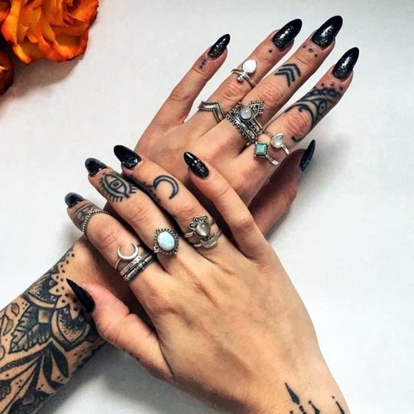 Cute Finger Tattoos Designs (43)