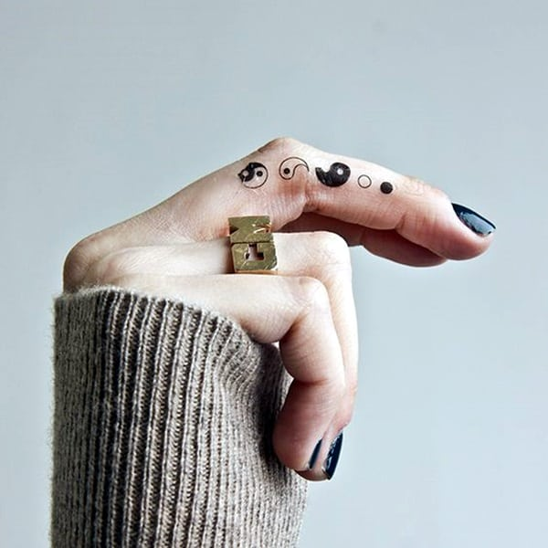 Cute Finger Tattoos Designs (63)