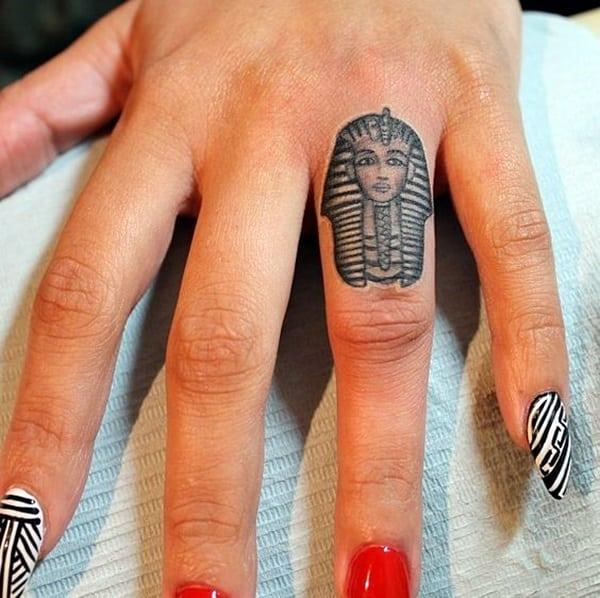 Тату фараона на руках