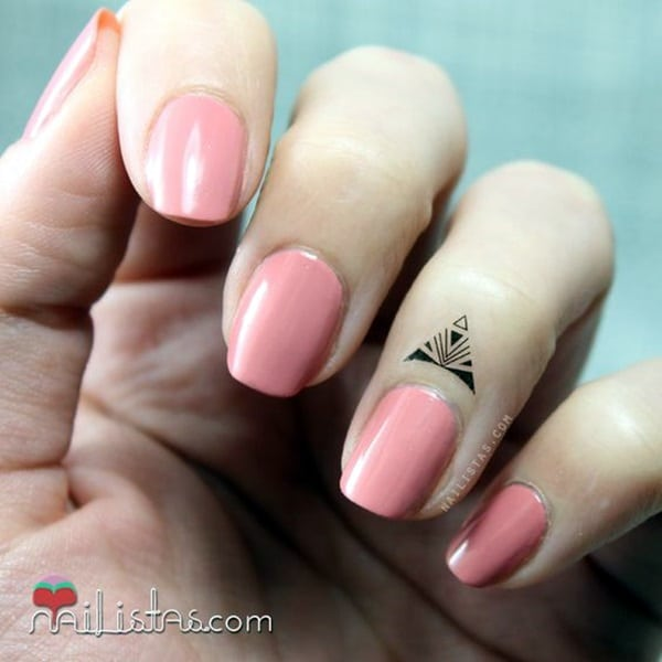 Cute Finger Tattoos Designs (92)
