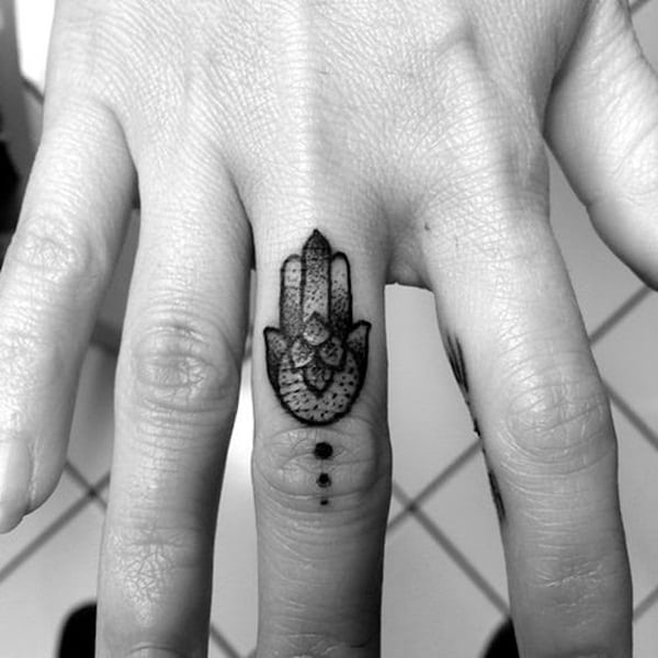 Cute Finger Tattoos Designs (96)