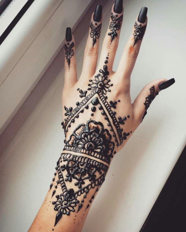 Black Henna: 99 Beautiful Henna Tattoo Ideas For Girls To Try At Least Once