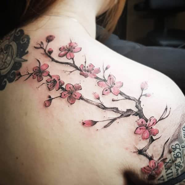 9b8a2421b This shoulder design is truly remarkable; the blossoms are so realistic.