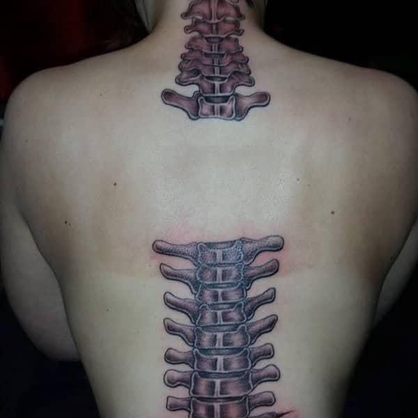 Tattoo Wirbelsäule