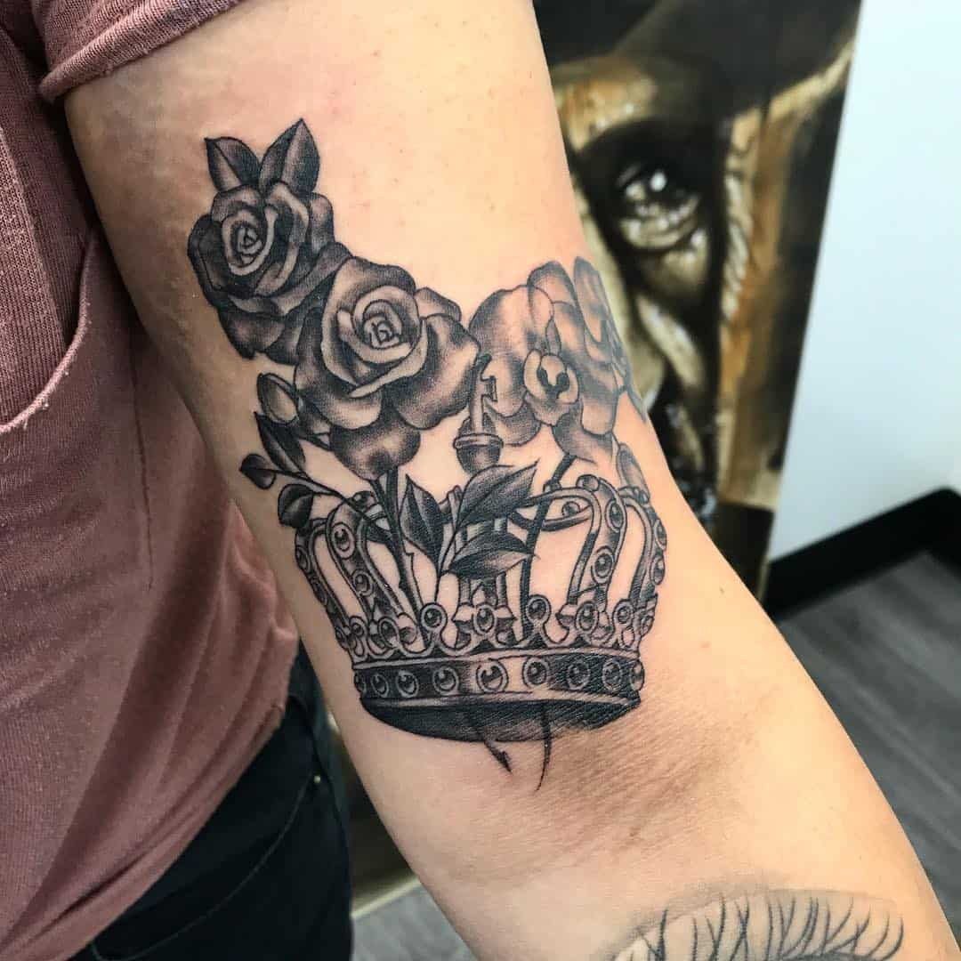 108 Crown Tattoo Designs for the King and Queen