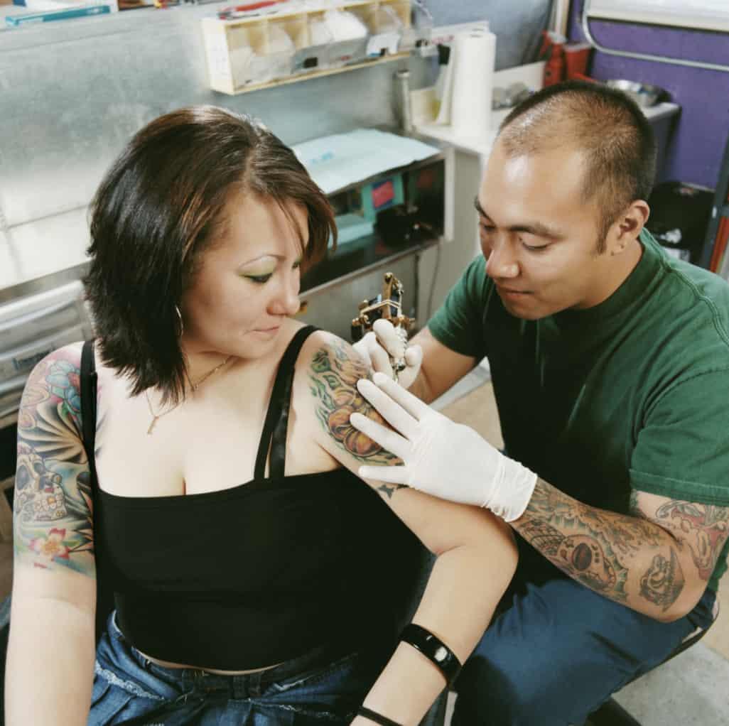 tipping tattoo artist